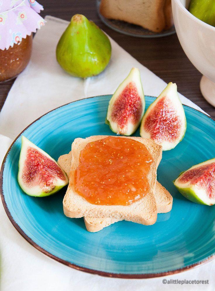 Confettura di fichi e mandorle - Fig and almond jam