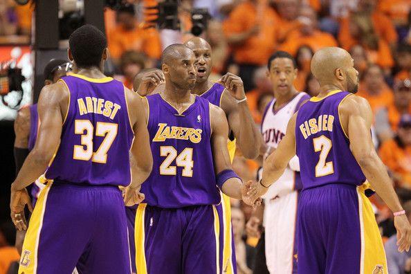 Kobe Bryant and Derek Fisher Photos - NBA Finals Game 3: Los Angeles Lakers v Boston Celtics - Zimbio