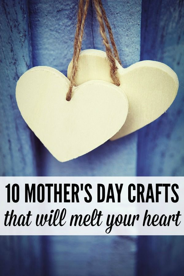From hand print aprons to love rocks to buttons bracelets to crowns, these fun Mother's Day crafts will melt your heart!: Hands Prints, Fun Mothers, Heart Rocks, Wooden Hearts, Buttons Bracelets, Rocks Crafts, Prints Aprons, Colors Heart, Mothers Day Crafts