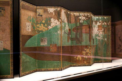 Tawaraya Sotatsu 俵屋宗達_桜山吹図屏風.jpg.right of Cherry trees and Kerrie Plants folding screen pair in situ. Japan. Edo period.
