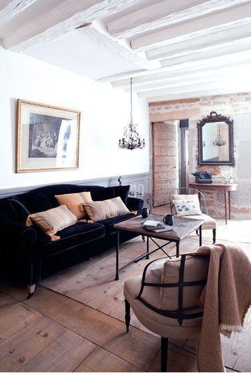 Luminous living room with beams salon lumineux avec poutres more photos http