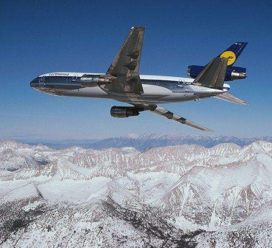 Vintage Luftansa McDonnell Douglas DC10-30