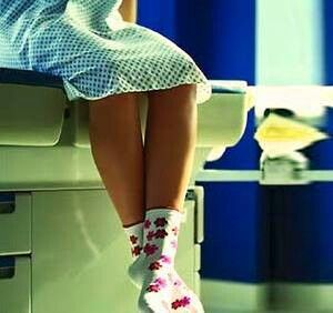 Multe femei tinere (chiar si adulte) considera ca un consult ginecologic este necesar doar in cazul aparitiei unei sarcini sau a simptomelor unor imbolnaviri. Aceasta idee este cat se poate de gresita! Consultul medical trebuie efectuat preventiv! http://www.academica-medical.ro/servicii_10__Ginecologie%20Obstetric%C4%83