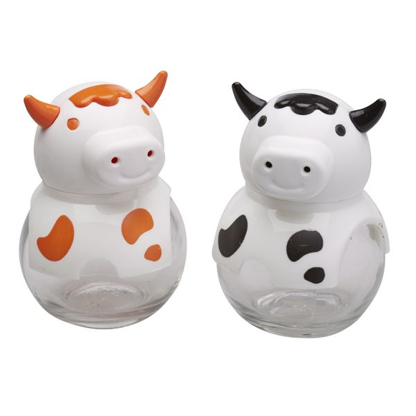 Shake things up with these adorable cow salt and pepper shakers!