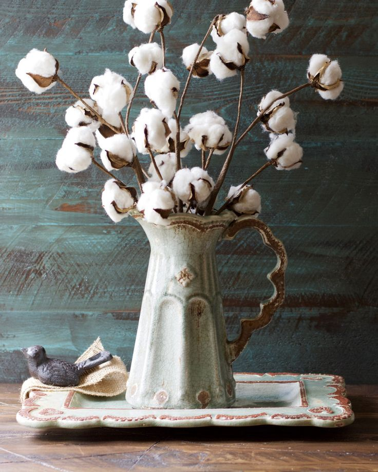 These Small Cotton Stems make a big impact in any space! Add to a vase for a beautiful centerpiece! Pair with our Cotton Wreath for a beautiful Farmhouse look!