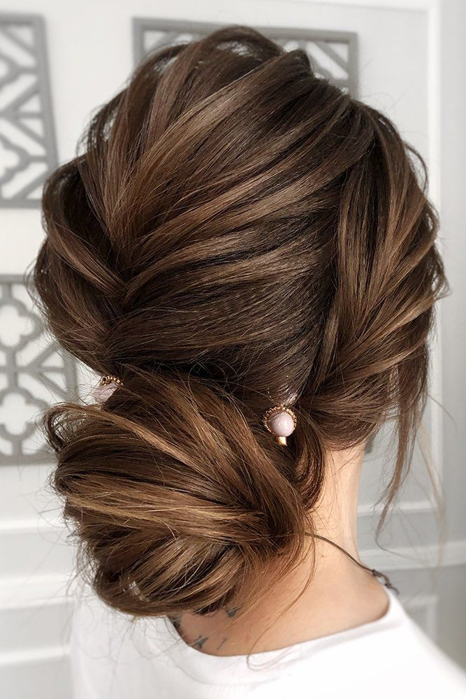 Mother Of The Bride Hairstyles 63 Elegant Ideas 2020 21 Guide In 2020 Mother Of The Bride Hair Mother Of The Groom Hairstyles Mother Of The Bride Hairdos