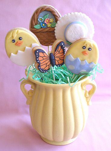 Easter cookies. http://baking911.com/cookies/crafty-baker/sugar-cookie-pop-tutorial-easter-cookie-lollies