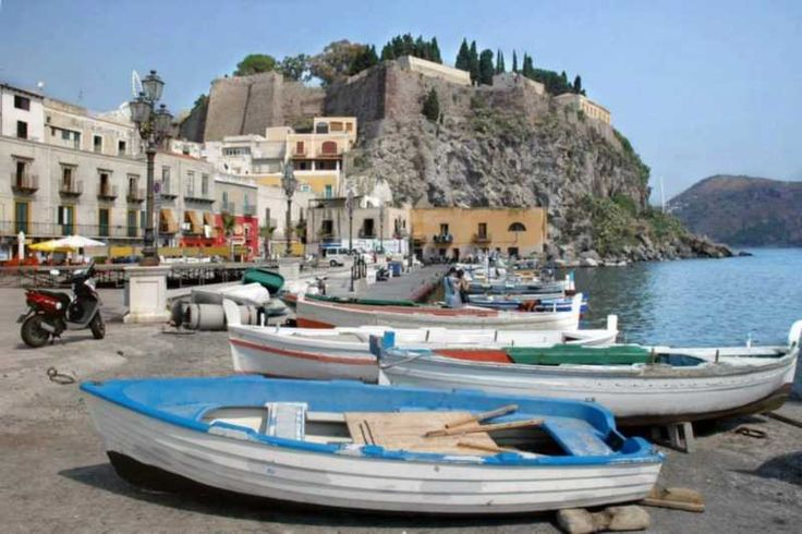 Take it Slowly in Lipari... A week to discover one of the seven pearls of the Mediterranean. Lipari is a fascinating island with beautiful beaches and breathtaking views. #sicily #eolie #aeolianislands #worldunescoheritage #ecotour #ecotourism #luxury #stromboli #lipari #summerholidays #visitsicily