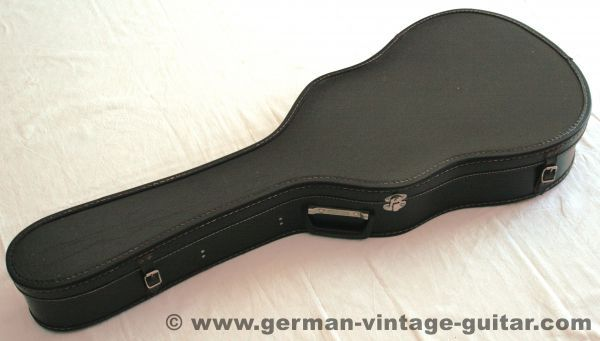 Vintage Guitar Case 8220 Dominant 8221 For Classic Guitars From The Sixties German Vintage Guitar In 2020 Classic Guitar Sixties Classic