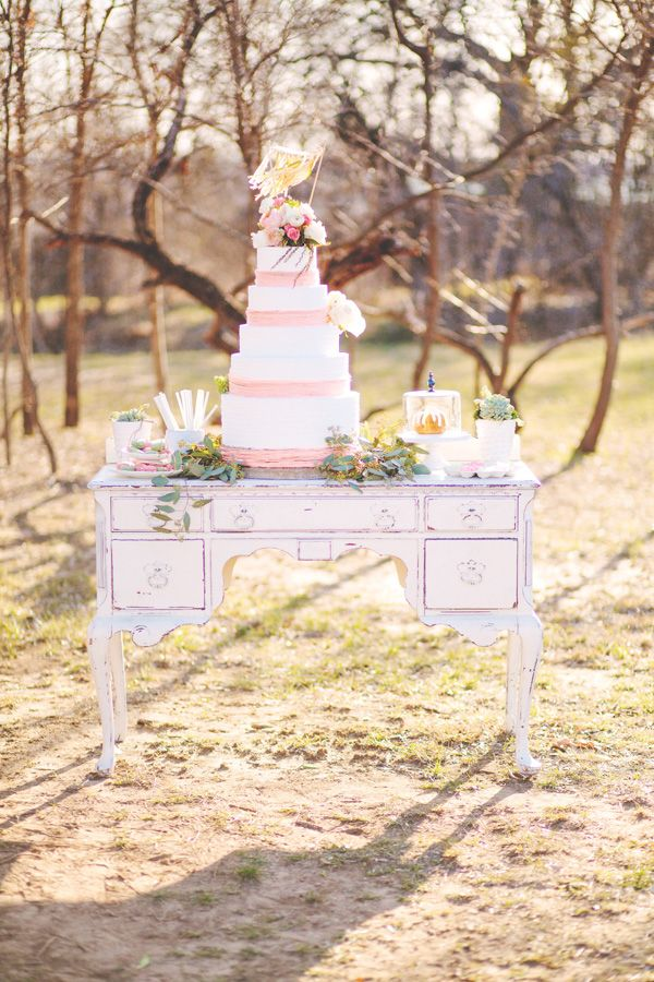 cake table ideas....cottage/country wedding