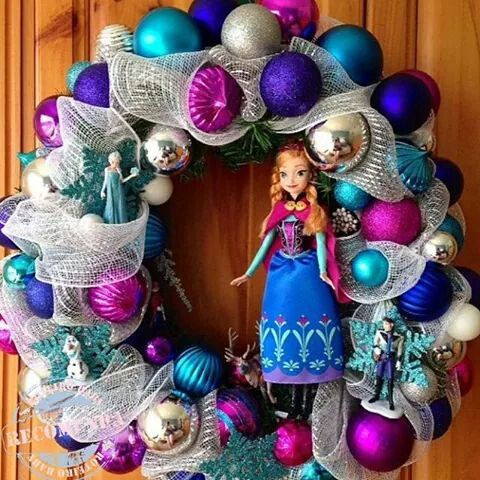 disneys frozen inspired wreath from wreathswithcharacter - Frozen Christmas Tree Ornaments