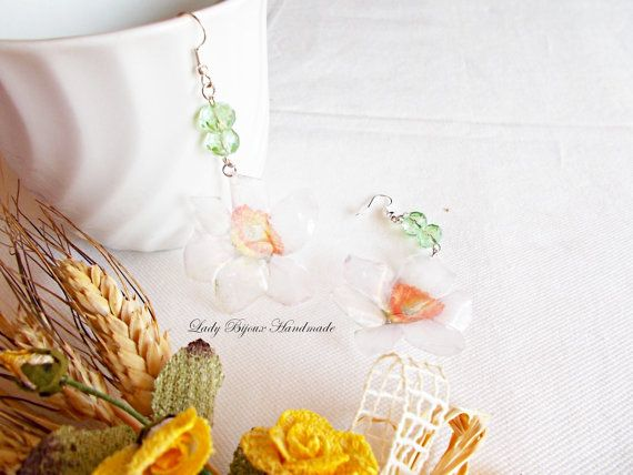 Orecchini Narciso pendenti con fiore di LadyBijouxHandmade su Etsy
