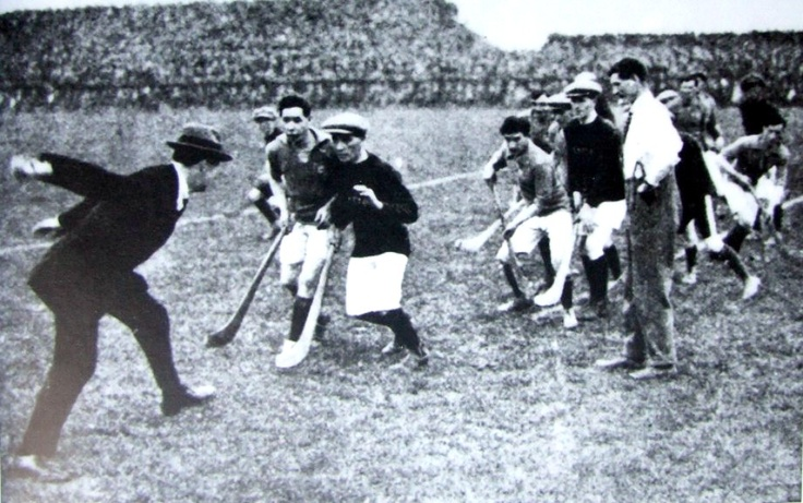 Michael Collins throws in the sliotar at the 1921 Leinster hurling final between Dublin and Kilkenny (Dublin won)