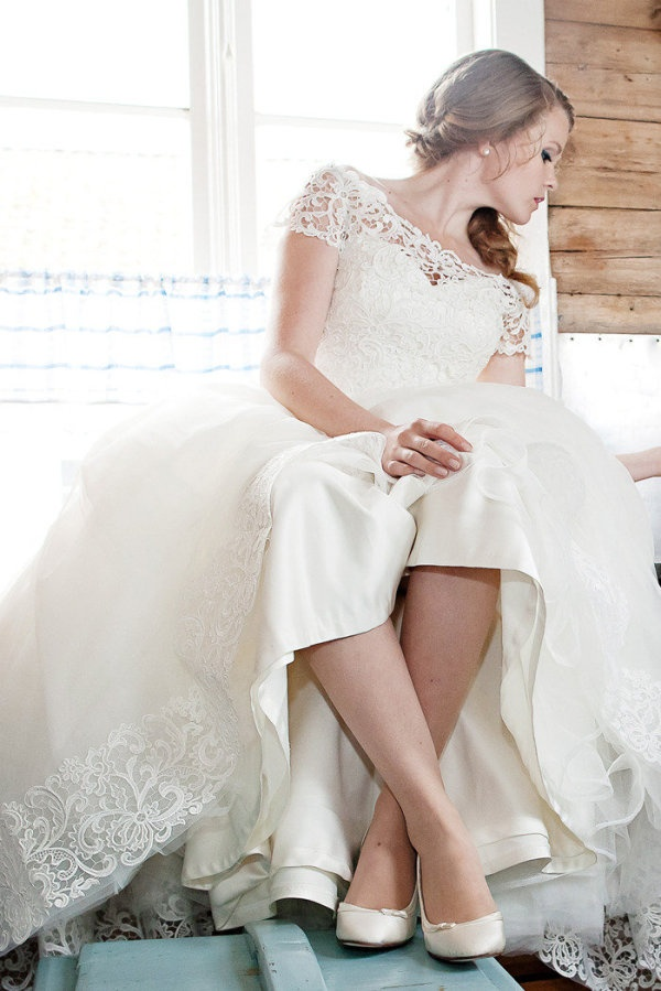 139 best wedding dresses images on pinterest wedding for Wedding dress cleaning des moines