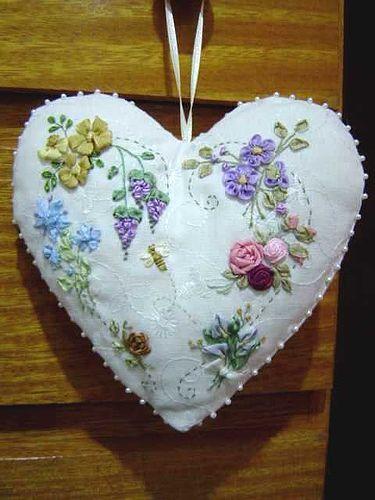 Borde com fita suas roupas fique na moda Fácil executar cada flor, folha, deixando suas roupas novas, modernas Recicle, Customize pontos de bordado com fita