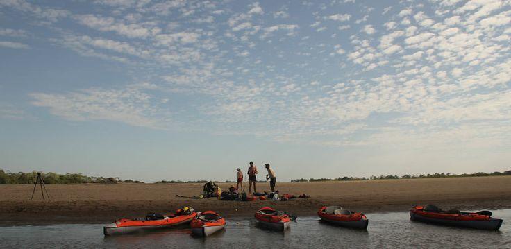 Expedición en kayak por el río Meta. http://www.awakeadventures.com/expedicion/r%C3%ADo-meta