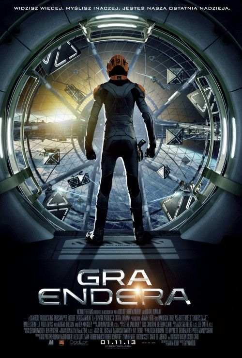Rok 2070. Ludzkość zagrożona inwazją obcych szkoli dzieci na kosmiczną elitę wojenną. Wśród nich jest wyjątkowo uzdolniony Ender.