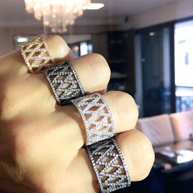 Joias - Anéis de prata com banho dourado, ródio negro e branco.  Compre joias em prata no atacado com a Queen Joias💎      #joias #atacadodejoias #joiasnoatacado #atacado #revender #revenderjoias #dinheiro #extra #dinheiroextra #alta #joalheria #altajoalheria #prata #925 #prata925 #ródio #jewelry #jewels #presente #luxo #para #namorada #glam #dia #namorados #mães #mãe #dica #criativo #criativa