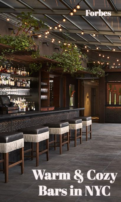 Upstairs at the Kimberly Hotel is an oasis in Midtown - an enclosed rooftop bar that offers artistically inspired cocktails and small plates in an art deco ambience. Sitting 30 stories high and provides sweeping views of the city and the fallen snow below.