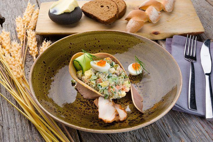 Оливье с печеным картофелем, курицей и говяжьим языком рецепт с фото