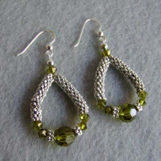 #DIY How to make earrings from daisy spacers and crystals - do blogue ThisYearsDozen