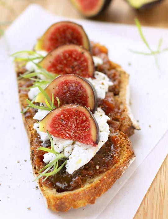 This fig chutney on toasts is just perfect for a fun and indulgent snack or appetizer that you can make again and again. Once you get your perfect fig specimens, let's say Mission figs, simmer a sw...