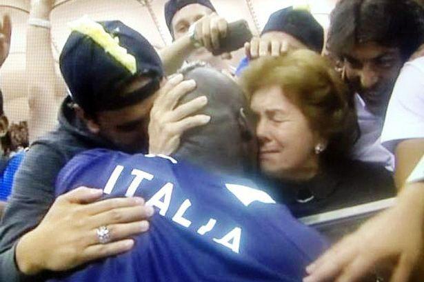 Balotelli és anyja