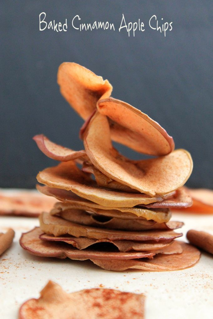 Baked Cinnamon Apple Chips- no dehydrator required! // thehealthymaven.com