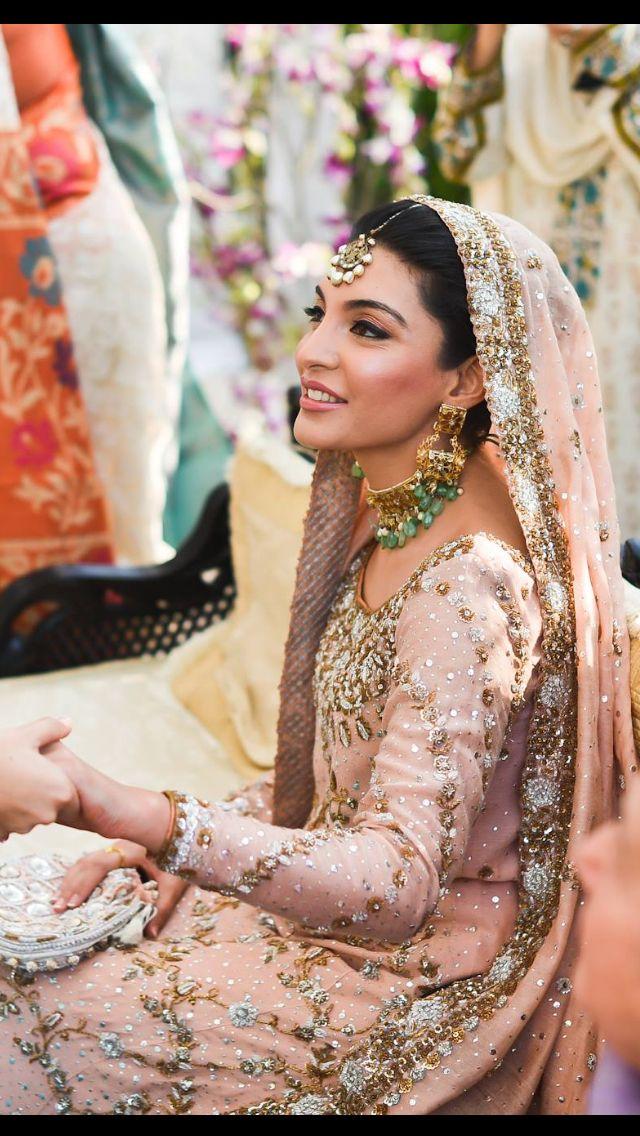 Zehra Qadir in Bunto Kazmi  Colours: Light Peach with Green