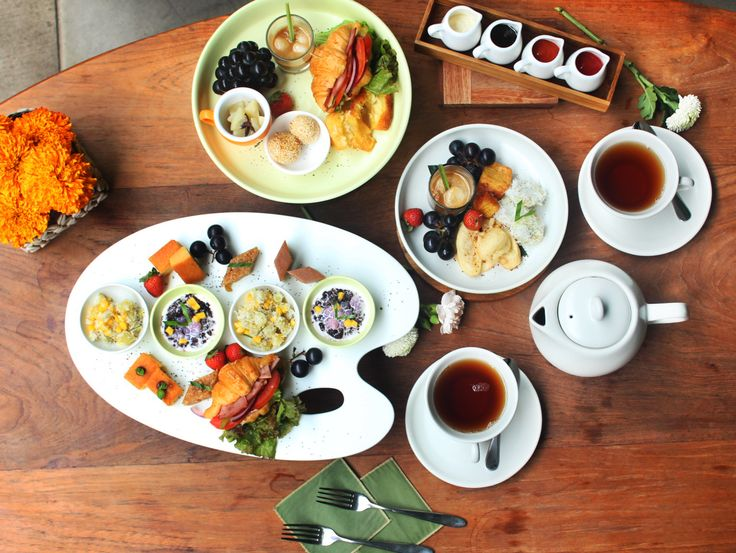 Sukun Restaurant presents High Tea, featuring classic refreshments such as Indonesian sweets, dainty sandwiches, and mini pastries accompanied by gourmet tea only at IDR 200,000++ for 2 persons! Call +62361-755380 to book the seats.
