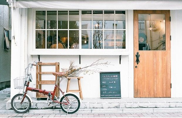 Having a bicycle parked outside almost automatically ups a cafe's street cred...