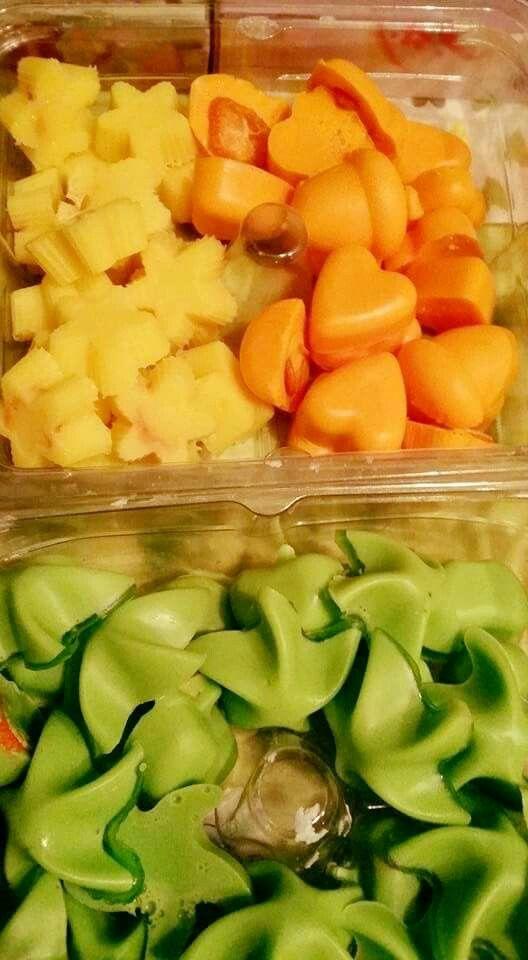 Ihanat pikkusaippuat tuoksuvat appelsiinilta ja omenalta.