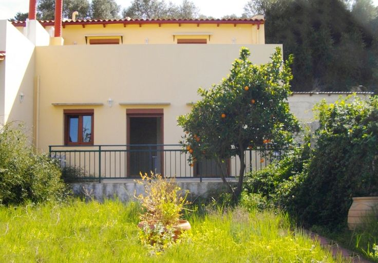 Hous for sale close to the city. Giannoudi, Rethymno, Crete, Greece.