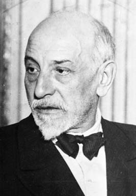 Luigi Pirandello <3