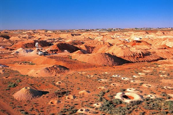 Coober Pedy, http://www.bloggerme.com.au/states/great-australian-bight Australia the opal mining capital of the world!