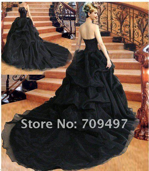 black wedding dress goth winter pinterest black wedding dresses wedding dress and weddings. Black Bedroom Furniture Sets. Home Design Ideas