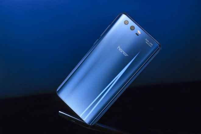 Honor 9: Nuovo Smartphone Best Buy da Huawei E' stato finalmente presentato a Berlino e presto sarà disponibile anche in Italia per l'acquisto. Stiamo parlando del nuovo top di gamma di casa Huawei: Honor 9. Il nuovo smartphone Huawei honor 9  #honor9 #huawei #smartphonehuawei