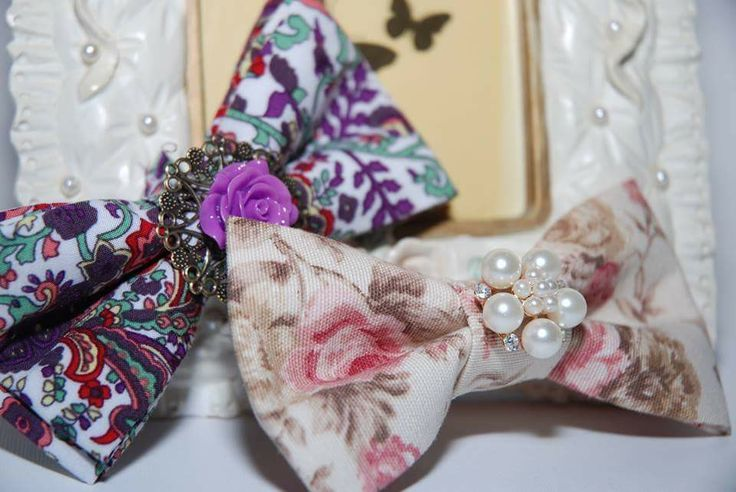 Floral bowties 10 € each