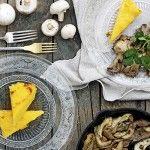 La polenta es un alimento libre de gluten hecho con harina de trigo.  Además es alta en ácidos grasos saludables y minerales.