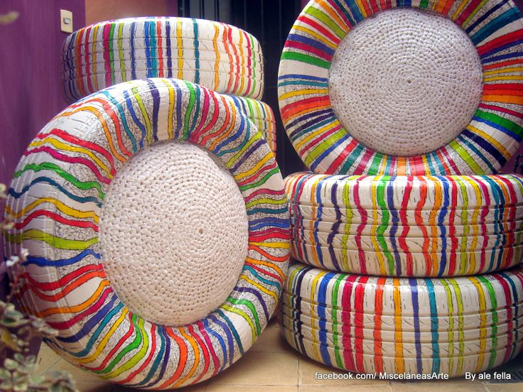 Eco -Diseño/ Pouf. Pouf realizados con neumaticos de camioneta, de auto y de motos con almohadon reciclado tejido con bolsas de plasticas. Pintado a mano./Eco-Design / Pouf. Pouf made from tires of truck, car and motorcycle cushion recycled plastic woven bags. Hand painted https://www.facebook.com/168693243205110/photos/a.614107525330344.1073741856.168693243205110/450194938388271/?type=1&theater