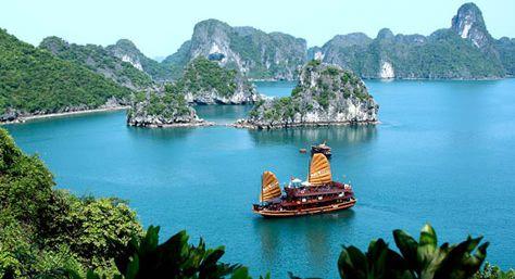 Maravilla de la Naturaleza: Bahía de Ha-Long, Vietnam.