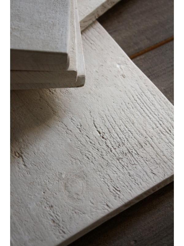 ジィール ウェルカムボード/ナチュラルな木のウェルカムボード。無垢材の風合いをいかしひとつひとつ手作りでシンプルに仕上げたスクエアタイプのボードです。ガーデンウェディングにおすすめ。