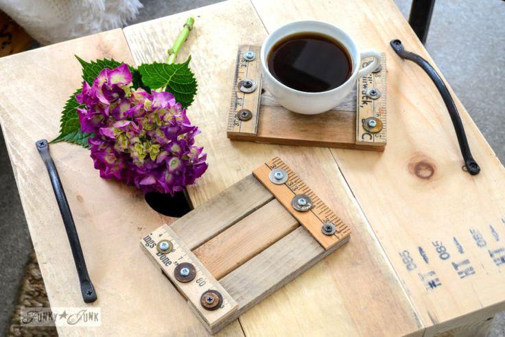 Faites vos propres caboteurs de boissons de bois récupérés dans une heure!  Facile, unique, pas cher, et font de grands cadeaux!  Par Interiors Funky Junk pour ebay.com / #ebay