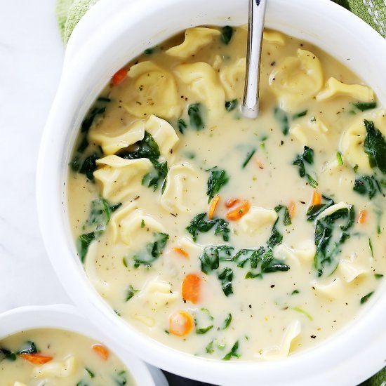 Creamy Tortellini Soup: Quick, easy, and deliciously creamy soup packed with cheesy tortellini and fresh spinach.