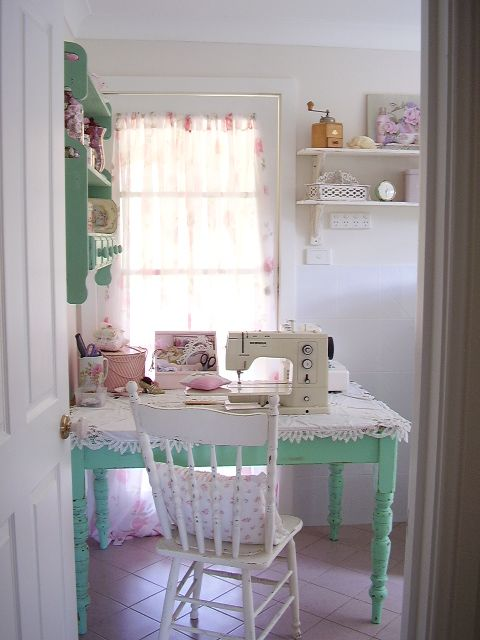 mariondee-designs: Laundry make-over.. and my sewing nook..