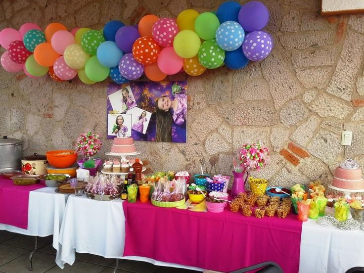 Barra de dulces y botanas | Fiesta temática Rapunzel | Pinterest