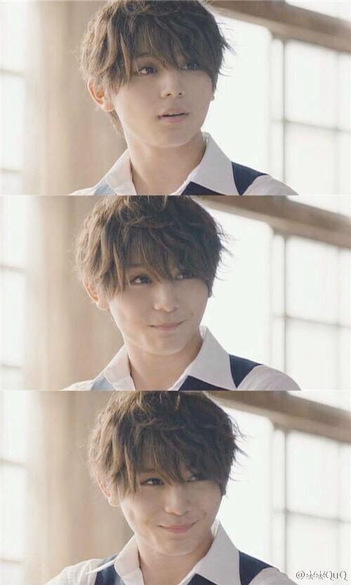 His smile... As Shiota Nagisa from assassination classroom live action <<< I'm dead ! Ryosuke Yamada , you're killing me.