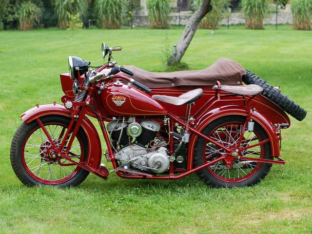 Sokół 1000 (or M 111) from 1937. The motorcycle was built from 1933 to 1939. It was fitted with two-cylinder, four-stroke SV twin engine. Engine displacement: 995,4cc, power output: 18 HP at 3000 rpm (maximum power output 20-22 HP at 4000 rpm). Weight: 270 kg, with a sidecar 375 kg. Standard working load was 280 kg. Top speed: 100 km/h. Three speed manual gearbox. Average fuel usage: 7 - 7,5 l per 100 km.