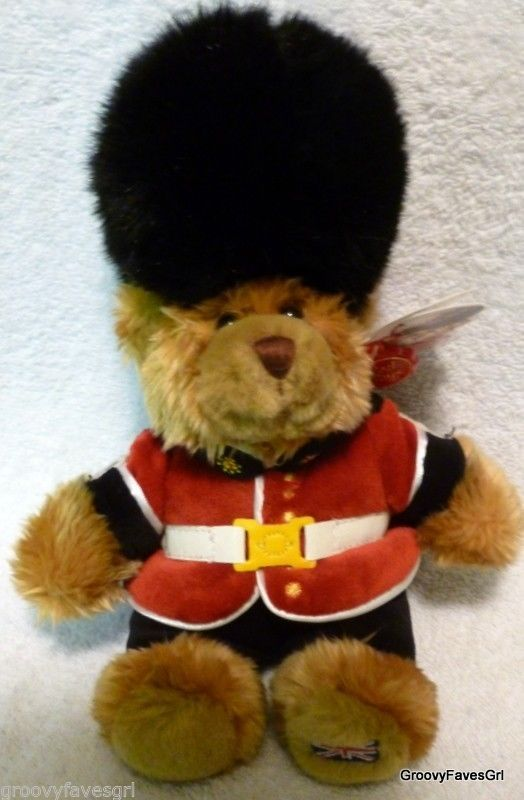 Guardsman England Guard British Bear Skin Hat Keel Toys Plush Flag on Foot Tush