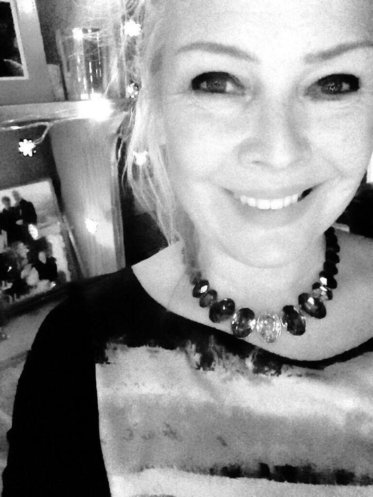 January 5, 2014: Hey @DomenicaFFM LOVE my necklace! THANKYOU xxx